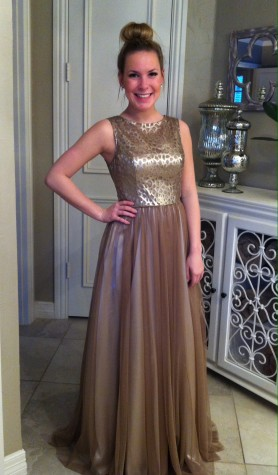 Finding the fit: Girls search for prom dresses