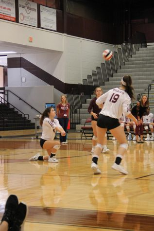 Volleyball serves West in nailbiter game