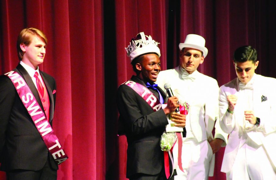 Former+winner+Charles+Brockman+is+crowned+Mr.+Plano+during+the+2017+competition.+