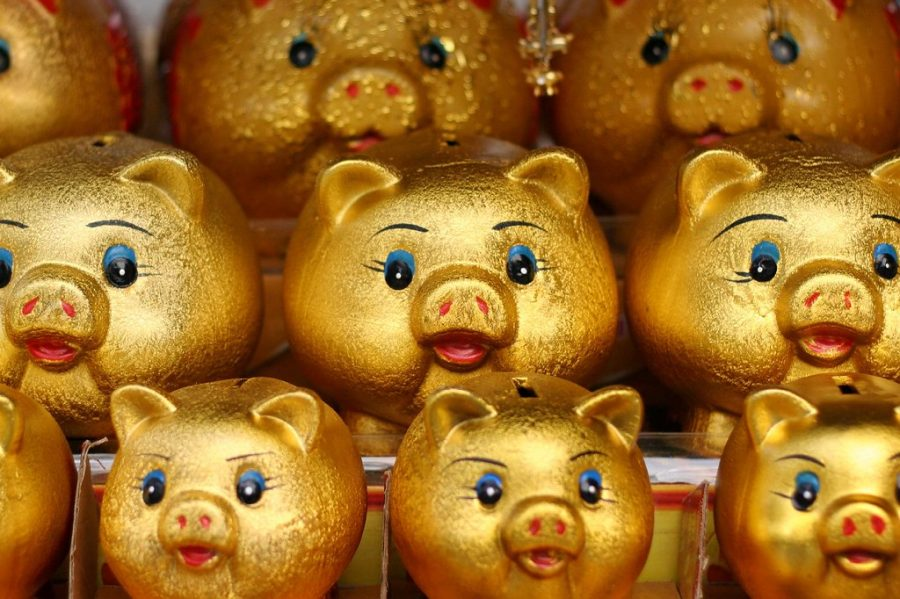 Golden+Piggy+bank+is+symbolic+of+the+peace+that+saving+can+bring+to+one%27s+life.+