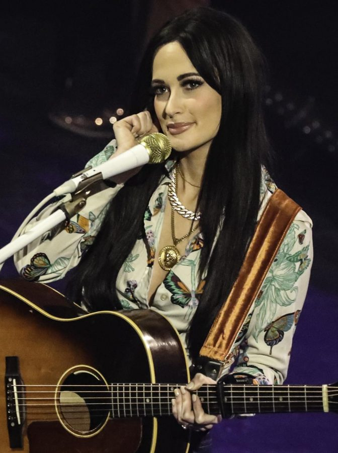 Kacey+Musgraves+performing+a+song+at+one+of+her+many+concerts.